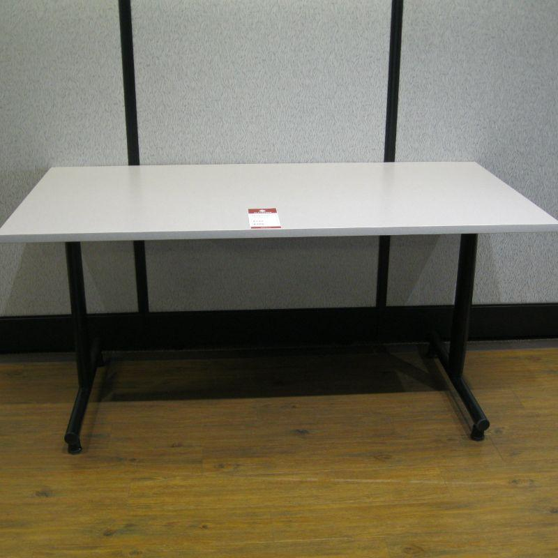 table with t-legs